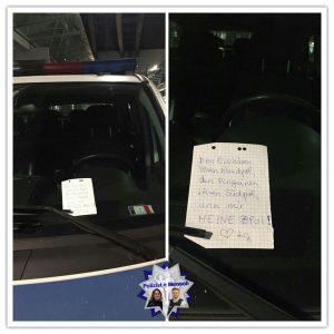 Bürgerin hinterlässt liebe Grußbotschaft an Polizeifahrzeug