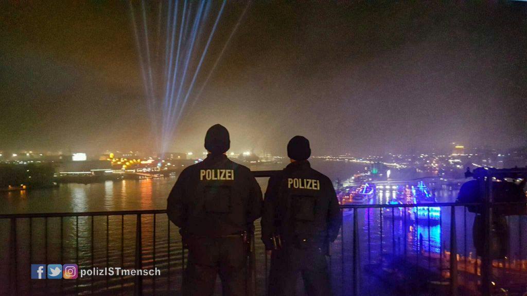 Bildgruß zum Polizeieinsatz anlässlich der Eröffnung der Elbphilharmonie