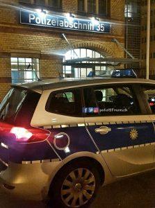 Trauerflor auch an Berlins Streifenwagen