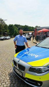 Polizist wird Geburtshelfer