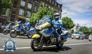 Die Motorradstaffel des Zolls in Luxemburg grüßt