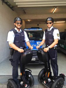 Versuchsfahrten in Freiburg: Polizei auf Segway-Streife