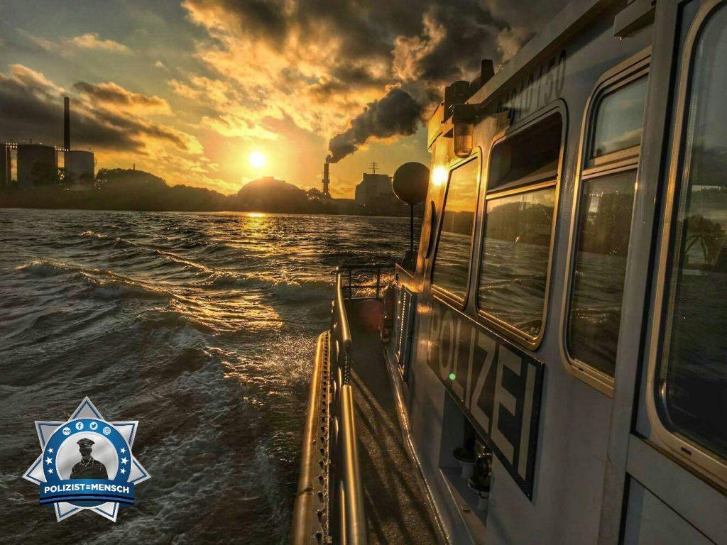 Dem Sonnenaufgang entgegen schippern