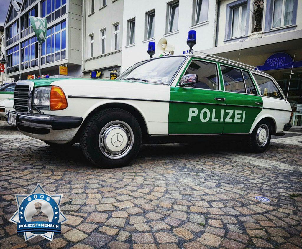 Historischer Streifenwagen aus Baden-Württemberg