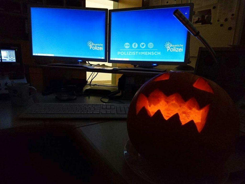 Unser Titelbild für Halloween kommt von Mandy