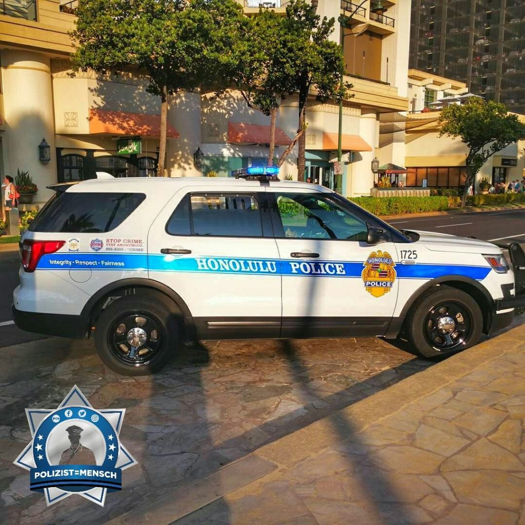 """Grüße aus Hawaii vom Honolulu Police Department, Rico"""