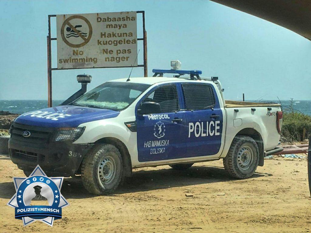 Bildgruß zu Weihnachten an Polizisten und Soldaten