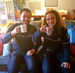 Betrugsverdacht? Polizisten werden zum Kaffeetester