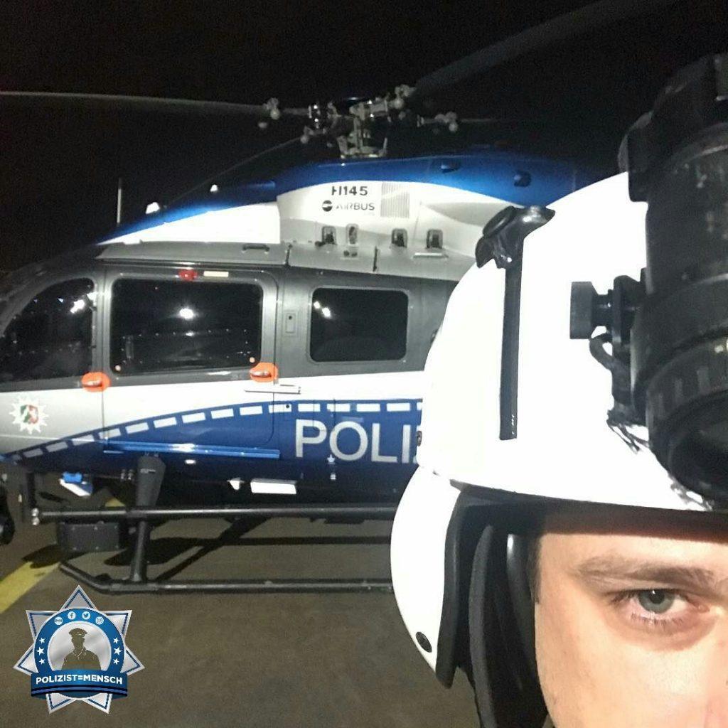 """""""Weiß der Helm, schwarz die Nacht. Grüße von der Polizeihubschrauberstaffel  Tim"""""""