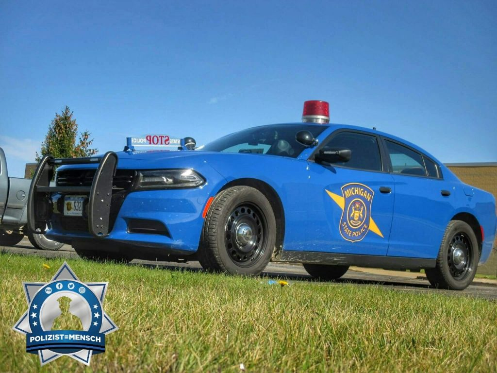 """""""Grüße aus den USA, hier bei der Michigan State Police, Samuel"""""""