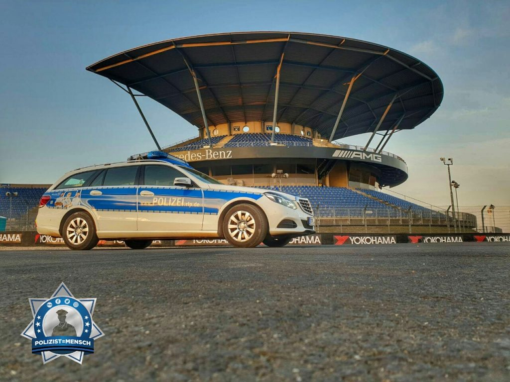 """""""Guten Morgen und allen ein schönes Wochenende! Grüße vom 24-Stunden-Rennen vom Nürburgring  Theresa"""""""