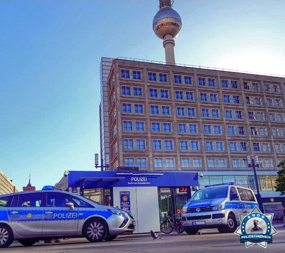 """""""Hey ihr Lieben, hier mal ein sonniger Gruß aus der Hauptstadt vom Alexanderplatz! Pablo"""""""
