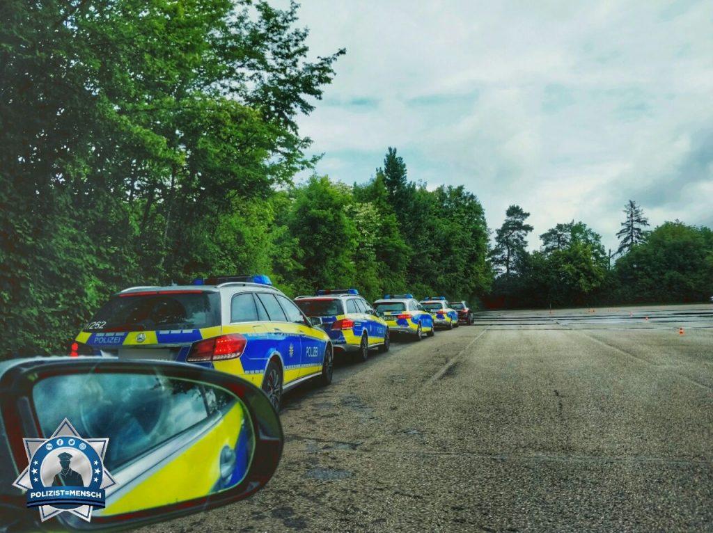 """""""Liebes Polizist=Mensch-Team, wir waren beim Fahrtsicherheitstraining in Nagold. Liebe Grüße aus Baden-Württemberg, Franzi"""""""