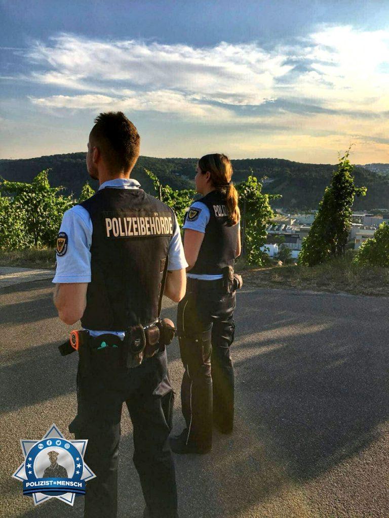 """""""Hallo liebes Polizist=Mensch-Team, wir schicken euch liebe Grüße, Michi und Philip von der Polizeibehörde Esslingen"""""""