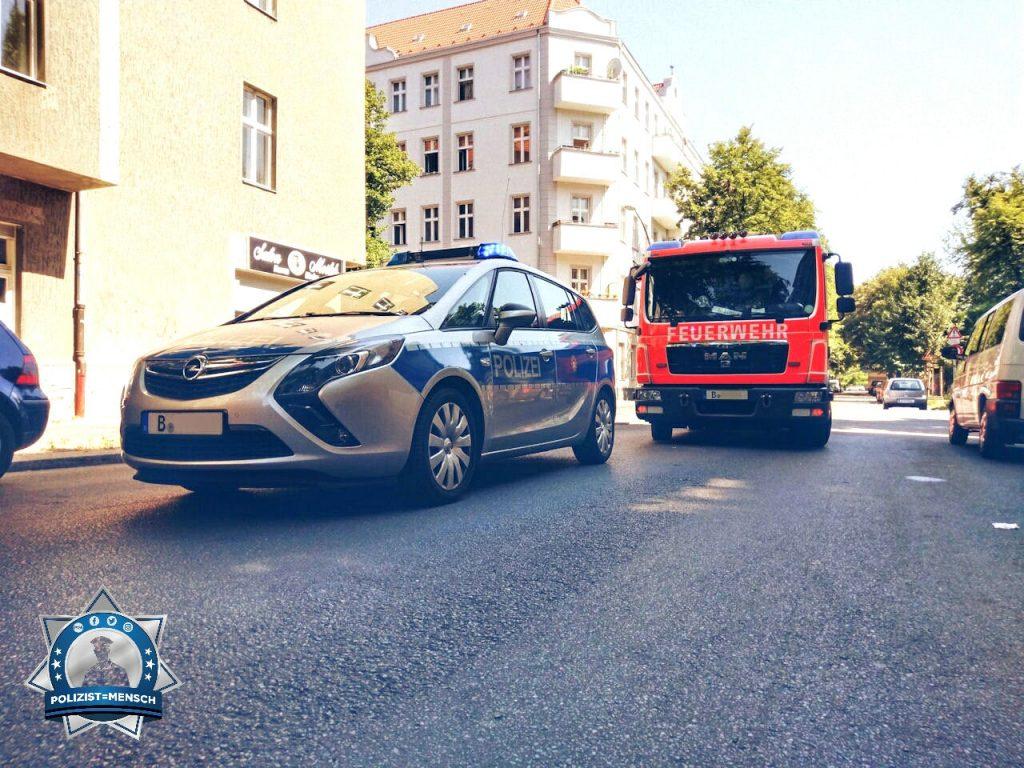 Gruß aus Berlin vom gemeinsamen Einsatz von Feuerwehr und Polizei