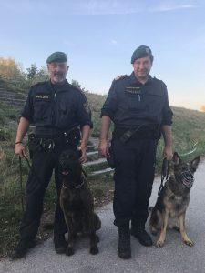 Diensthundeführer werden während Fußpatrouille zu Lebensrettern