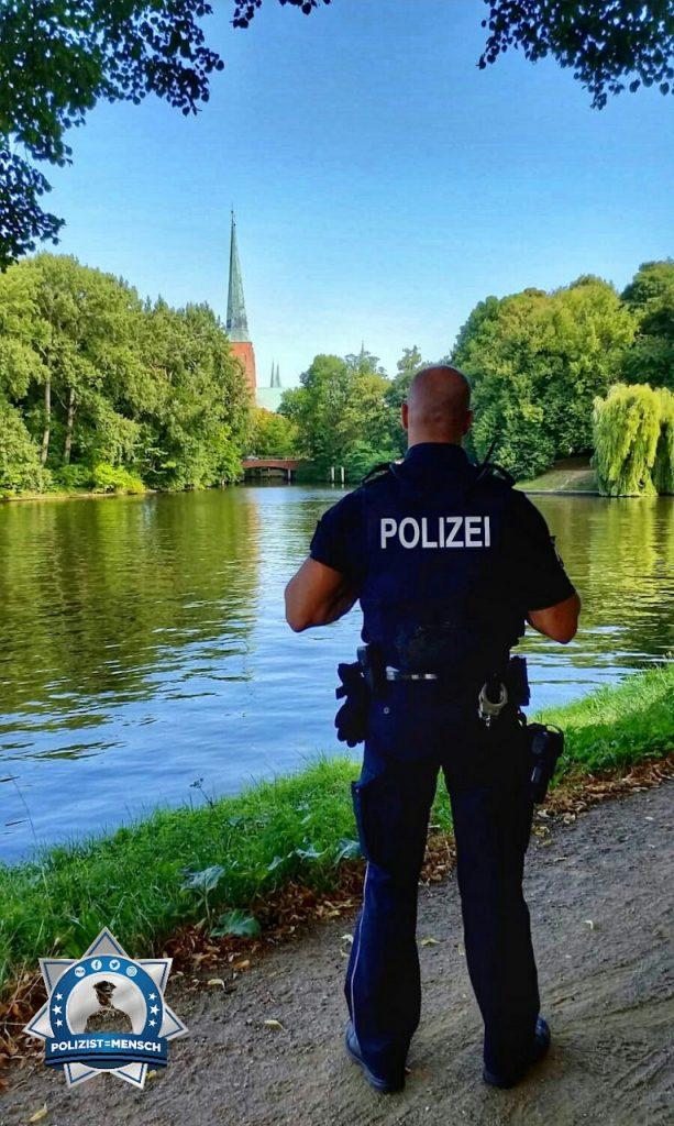 """""""Beste Grüße aus dem Tagesdienst in Lübeck . Bleibt alle gesund und heil! Martin"""""""