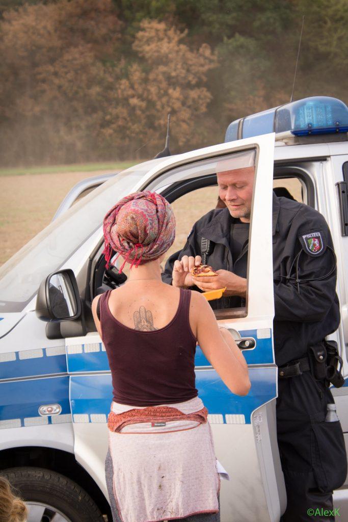 Bilder des Jahres: Auch das ist Einsatz Hambacher Forst