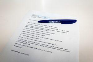 """""""Liebevoll und voller Menschlichkeit"""": Busfahrerin schickt Dankesschreiben an Polizisten"""