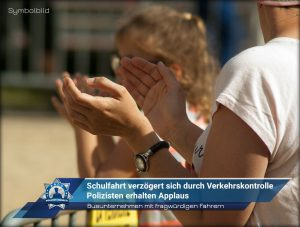 Busunternehmen mit fragwürdigen Fahrern: Schulfahrt verzögert sich durch Verkehrskontrolle - Polizisten erhalten Applaus