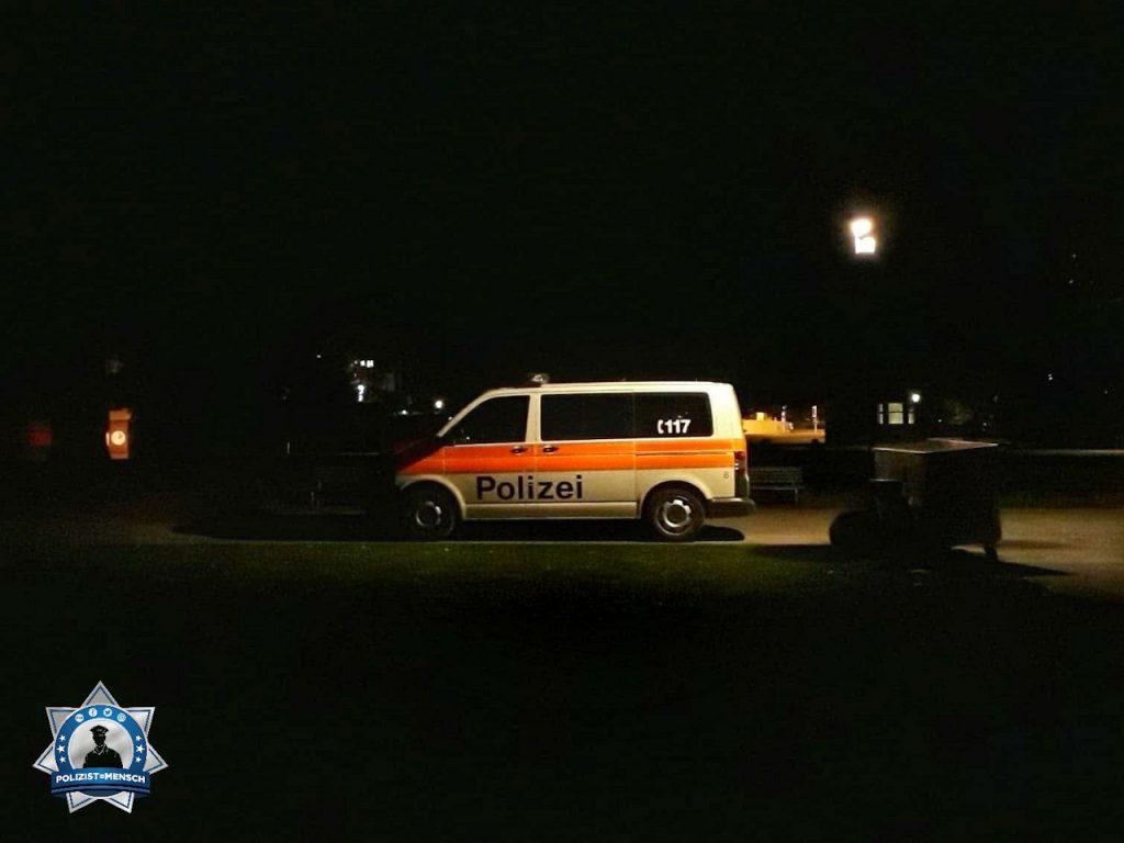 """""""Grüsse von der Nachtschicht aus Zürich. Dieses Foto entstand anlässlich der Seeuferkontrolle. Madlaina"""""""