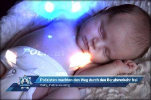 Baby hatte es eilig: Polizisten machten den Weg durch den Berufsverkehr frei