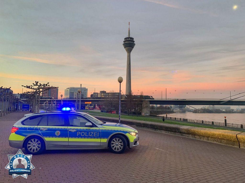 """""""Lieben Gruß aus der schönsten Stadt, Düsseldorf ❤️. Sarah und Ava"""""""