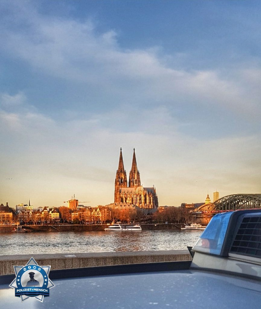 """""""Liebe Grüße aus dem sonnigen Köln von Charlotte und Stefan"""""""