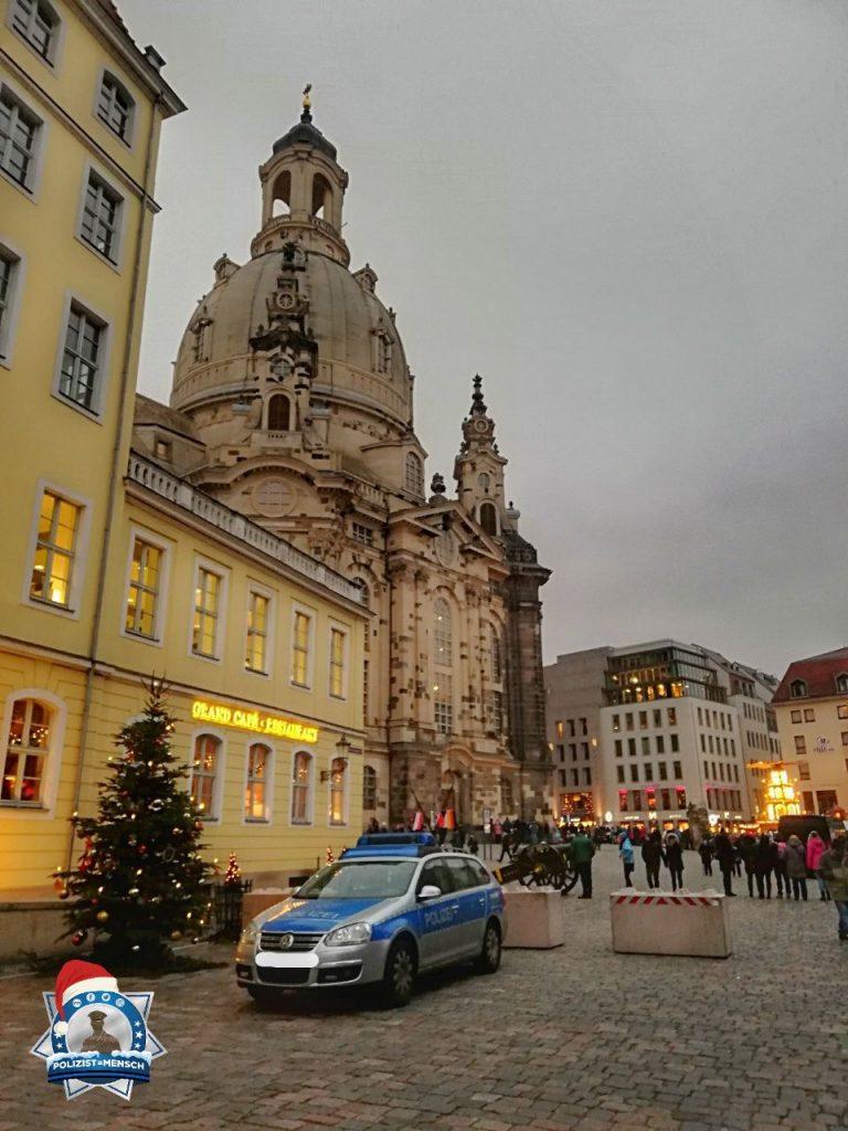 """""""Weihnachtliche Grüße von der Striezelstreife des Dresdner Striezelmarktes. Frohe Weihnachten und besinnliche Feiertage! Anne"""""""