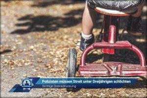 Strittige Dreiradnutzung: Polizisten müssen Streit unter Dreijährigen schlichten