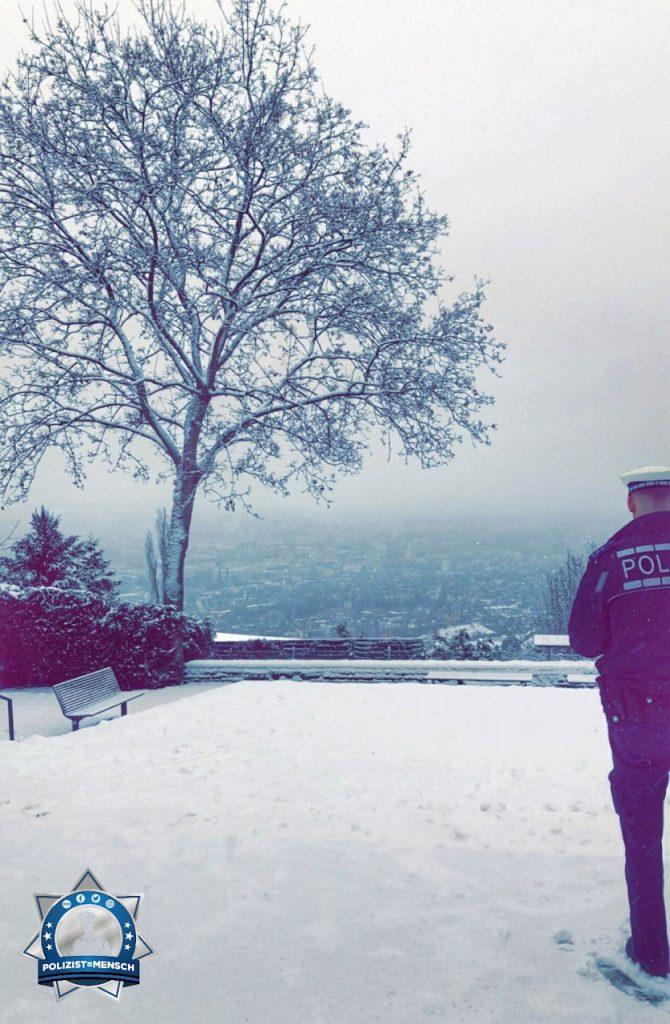 """""""Viele liebe Grüße aus dem Frühdienst in Stuttgart. Passt auf euch auf bei diesem Wetter. Gruß Kev"""""""