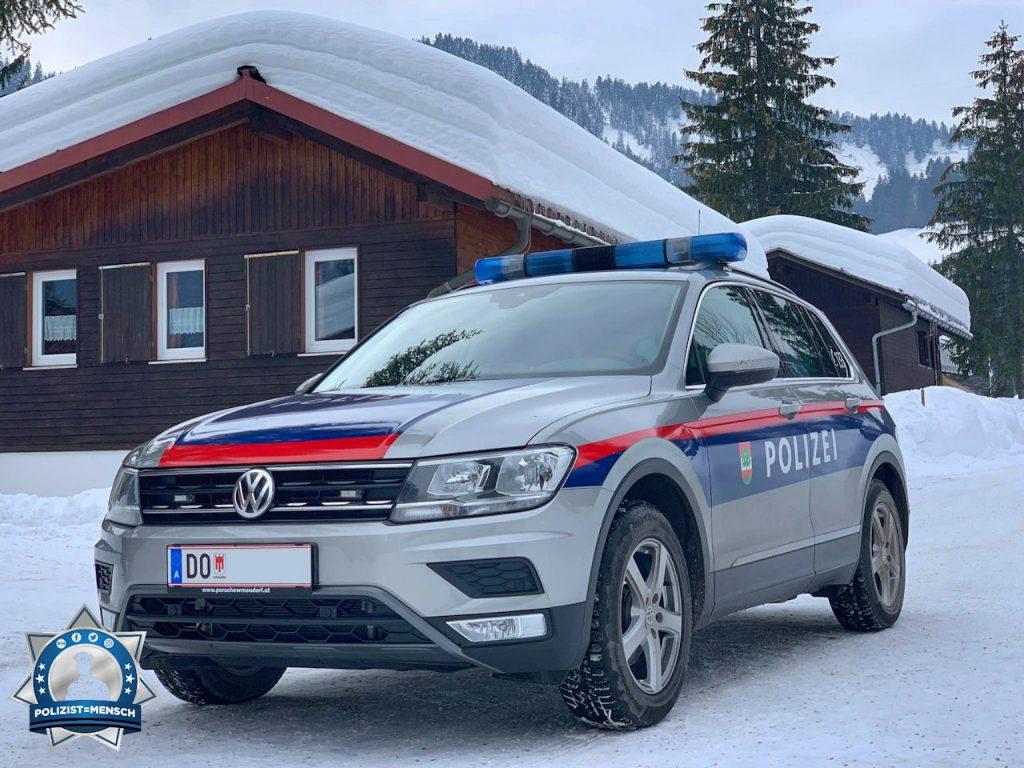 """""""Schöne Grüße aus dem tief verschneiten Ebnit bei Dornbirn/Vorarlberg - Alex und Otto"""""""