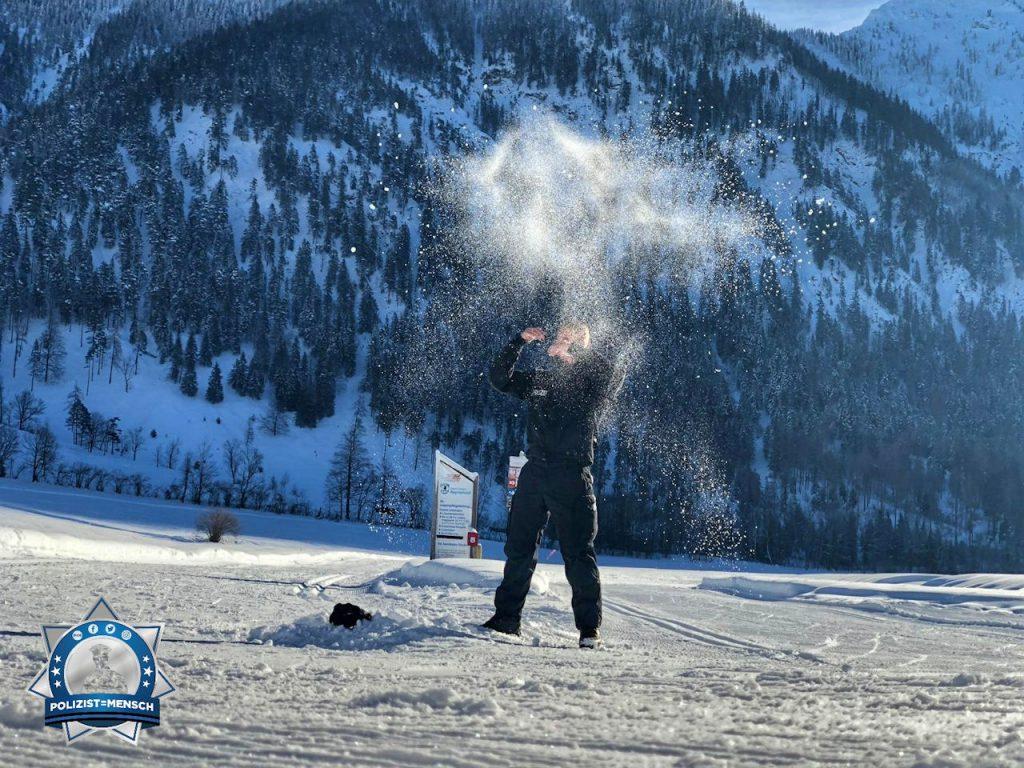 """""""Schöne Grüße vom Schneeeinsatz in Bayrischzell. Der Kampf gegen den Schnee mit anderen Mitteln, Johannes"""""""