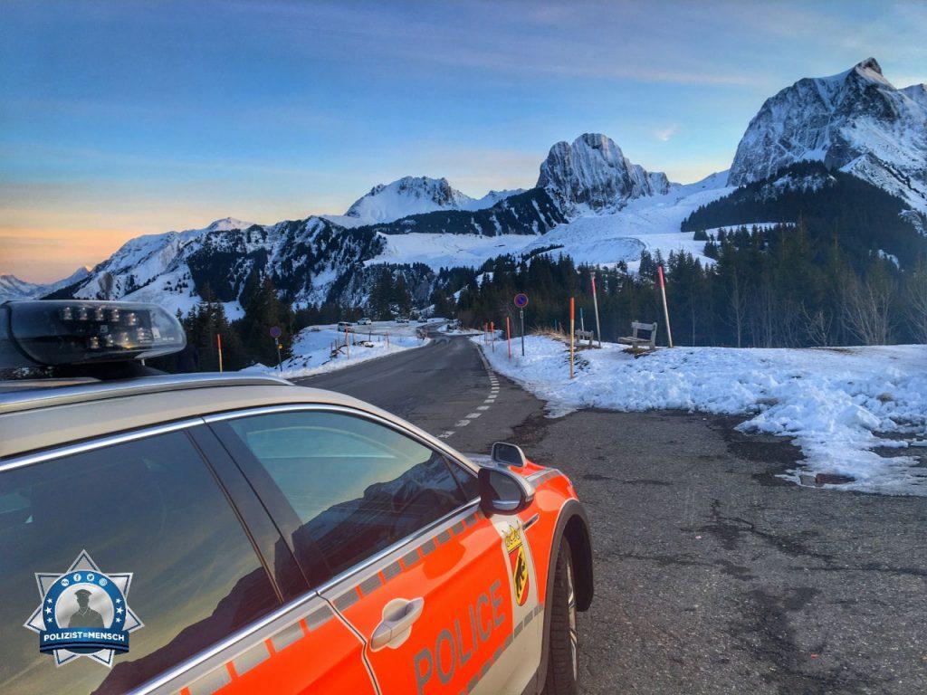 """""""Liebe Grüsse aus dem Schwarzenburgerland von der Police Bern, Serge"""""""