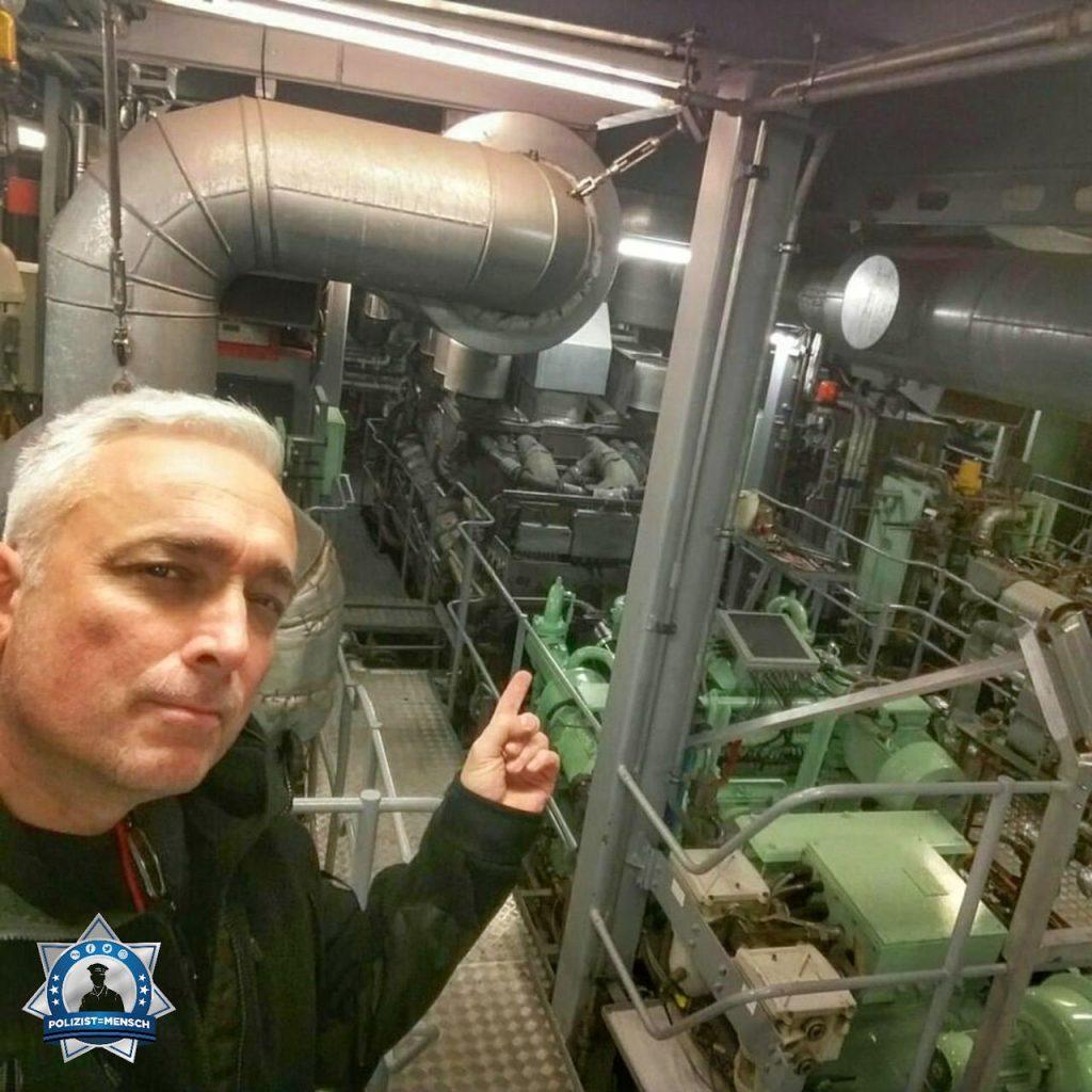 """""""Du magst es warm und traust Dir zu 7.000 PS zu bändigen? Wir sind auch Technik! Gruß von Lutz (Bundespolizei See)""""."""