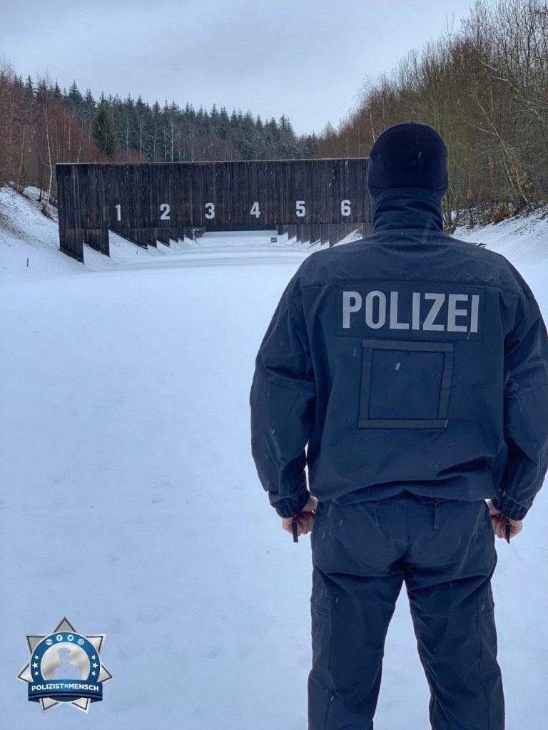 """""""Liebe Grüße aus der Schießanlage in Hirschberg (Rheinland-Pfalz), Giorgos"""""""