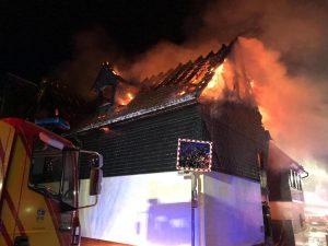 Spendenaufruf: Polizistenfamilie verliert bei Wohnhausbrand alles