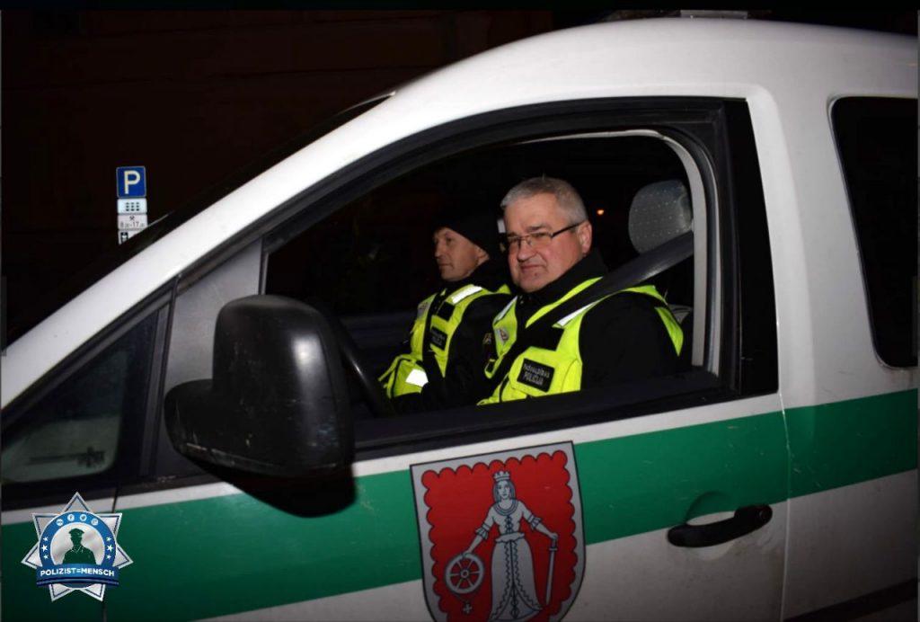 """""""Grüße aus Kuldiga in Lettland! Eine ruhige Nacht für alle, die auf Abruf sind! Vilnis und Juris"""""""