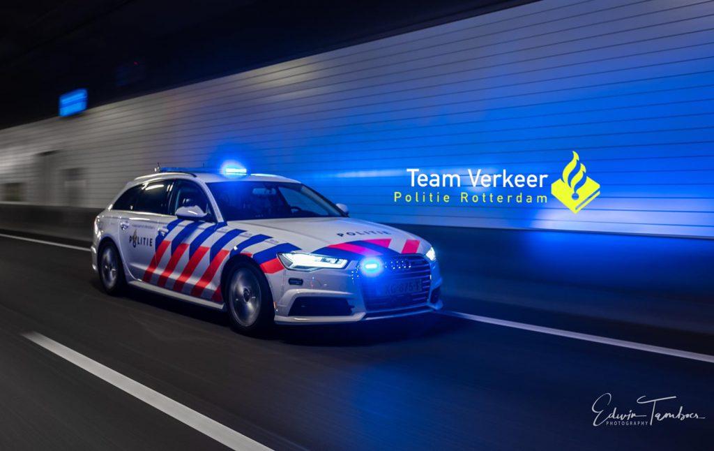 """""""Grüße vom Politie Team Verkeer (Verkehrsdienst) Rotterdam. Wir sorgen wie hier im Beneluxtunnel dafür, dass ihr sicher ankommt."""""""