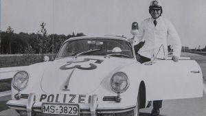 Die Geschichte der Rettungsgasse: Von der Idee eines Polizisten bis zum Gesetz