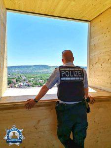 Für uns steht der Mensch im Mittelpunkt (Leitbild der Polizei Baden-Württemberg)