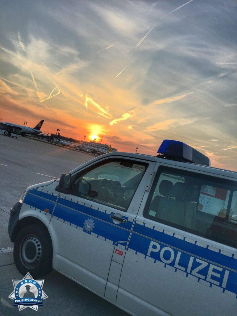 """""""Liebe Grüße aus dem Spätdienst vom Frankfurter Flughafen von Sören und Nadja 😎 #airportromantik"""""""