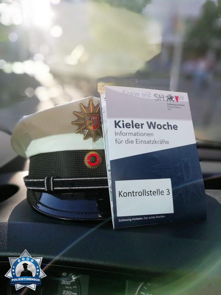 """""""Grüße von der Landespolizei Schleswig-Holstein! Das halbe Bundesland auf der Kieler Woche! Sarah"""""""