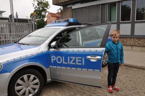 Der Polizeibericht im Original: Fünfjähriger bewirbt sich bei der Polizei