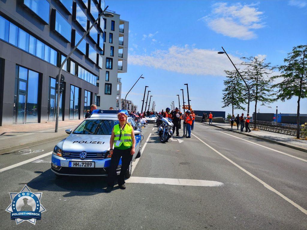 Bei den Harleydays Hamburg Seite an Seite mit einem Polizisten gearbeitet