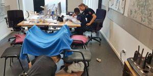 Medizinischer Notfall der Mutter: Polizisten erweisen sich 6 Stunden lang als kompetente Kinderbetreuer