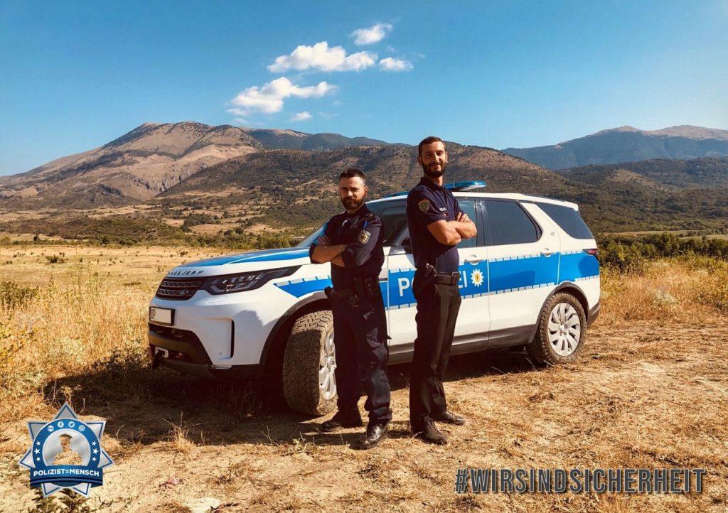 """""""Grüße aus Albanien vom Frontex Einsatz sendet euch Valentin (ALB) und Norbert (GER)! Auch hier sind Polizisten Menschen!"""""""
