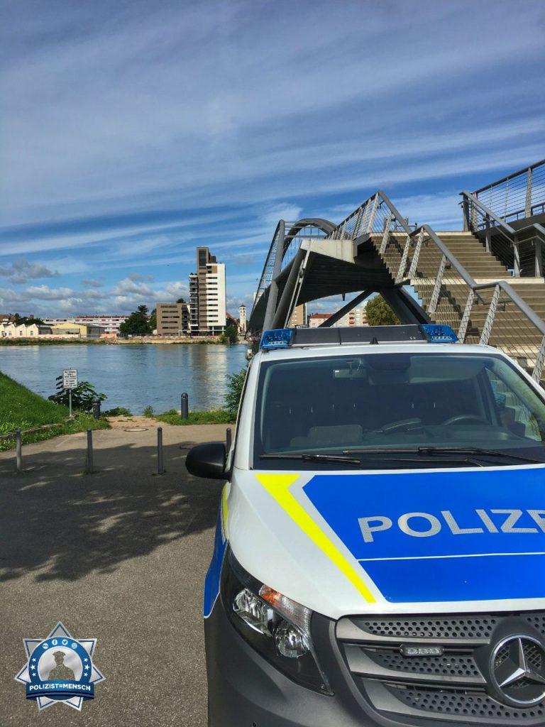 """""""Liebe Grüße von der Dreiländerbrücke in Weil am Rhein, Julius"""""""