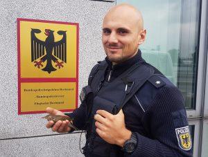 """Nach """"Flugunfall"""" - Bundespolizist leistet Erste Hilfe - Opfer wieder wohlauf!"""