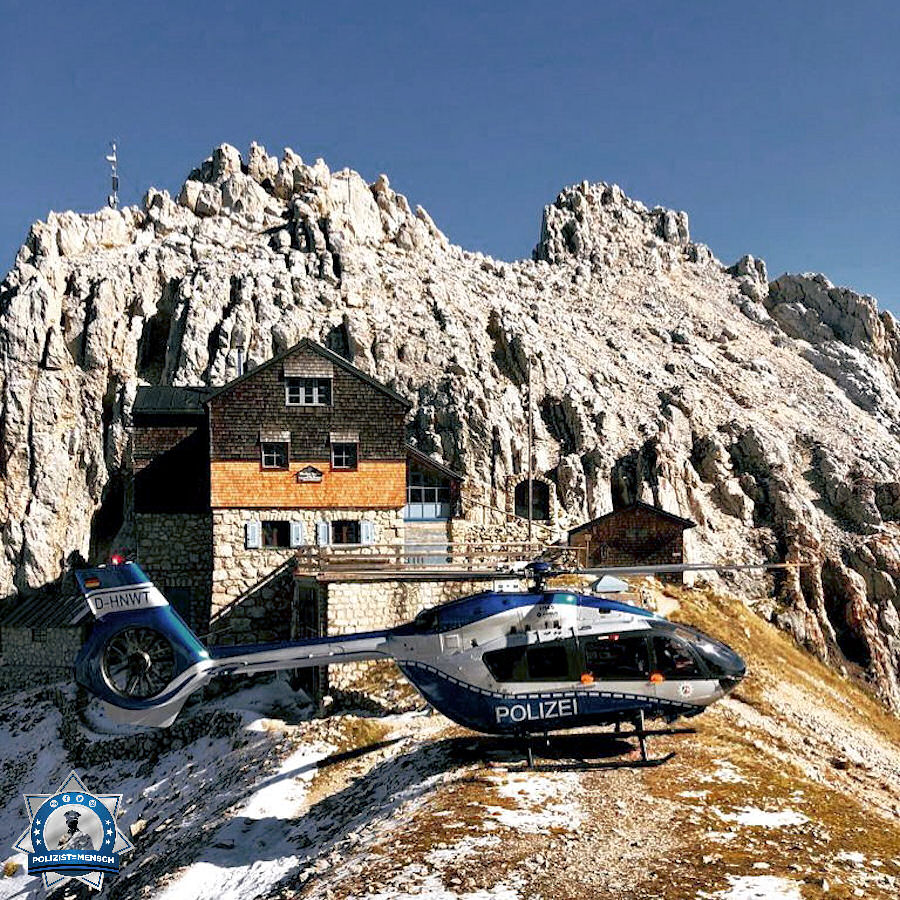 """""""Liebe Grüße vom Flugtraining in den Alpen, hier von der Meilerhütte auf 2.366 mNN. Die Hütte liegt noch in Deutschland, rechts davon ist man in Österreich. Tim"""""""